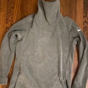 Nike women's fleece pullover